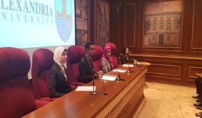 الطلاب يناقشون القضايا الهامة في نموذج محاكاة لمجلس جامعة الاسكندرية
